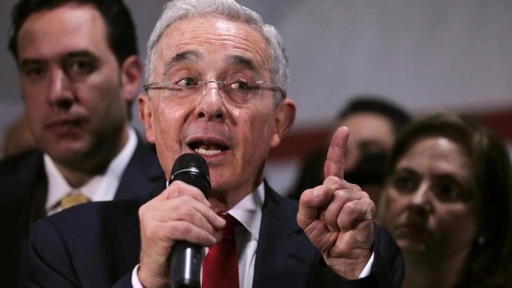 Colombie: la justice ordonne l'arrestation de l'ancien président Alvaro Uribe