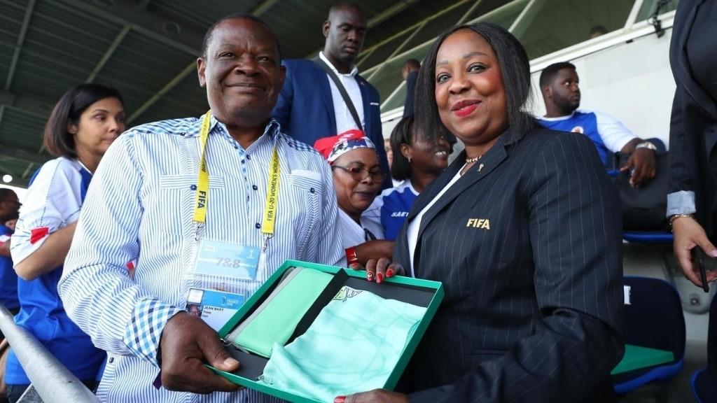 Haïti: le président de la fédération de football, accusé de viols, suspendu par la Fifa
