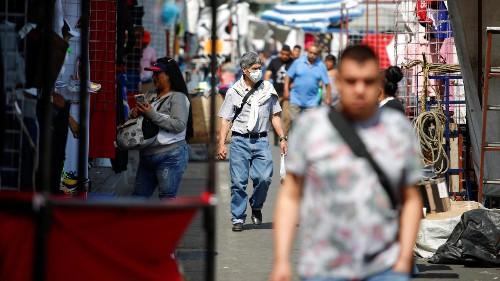 'La economía mexicana está siendo golpeada por varios lados', dice asesor del Banco Mundial