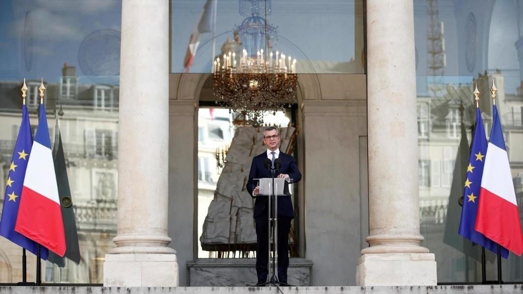 France: la droite entre en force au gouvernement