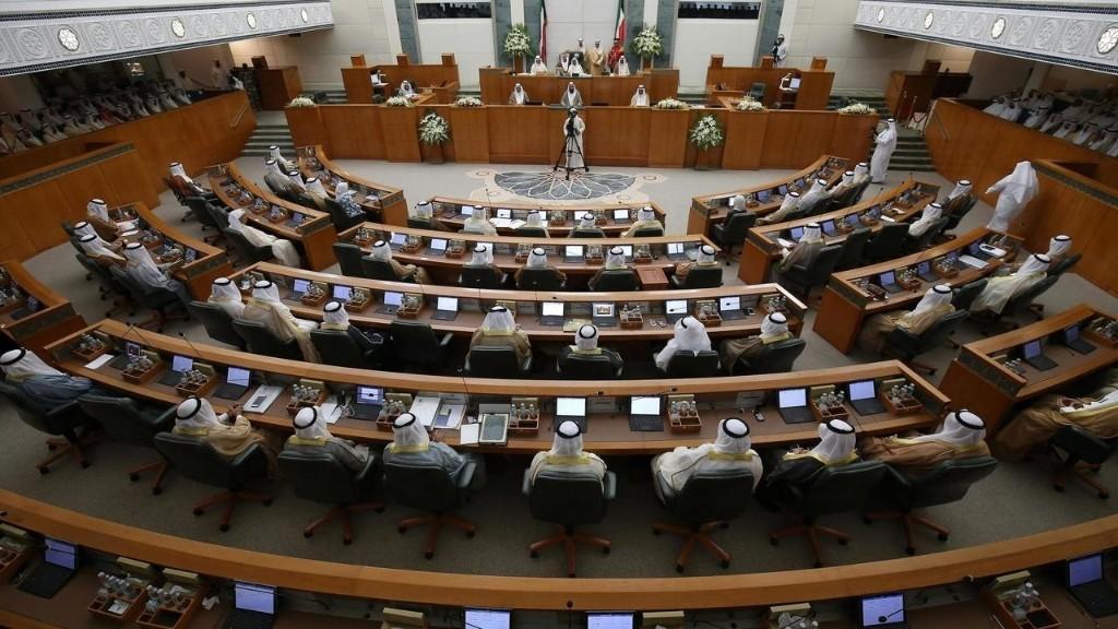 Elections législatives au Koweït, premier scrutin après la mort de l'émir cheikh Sabah