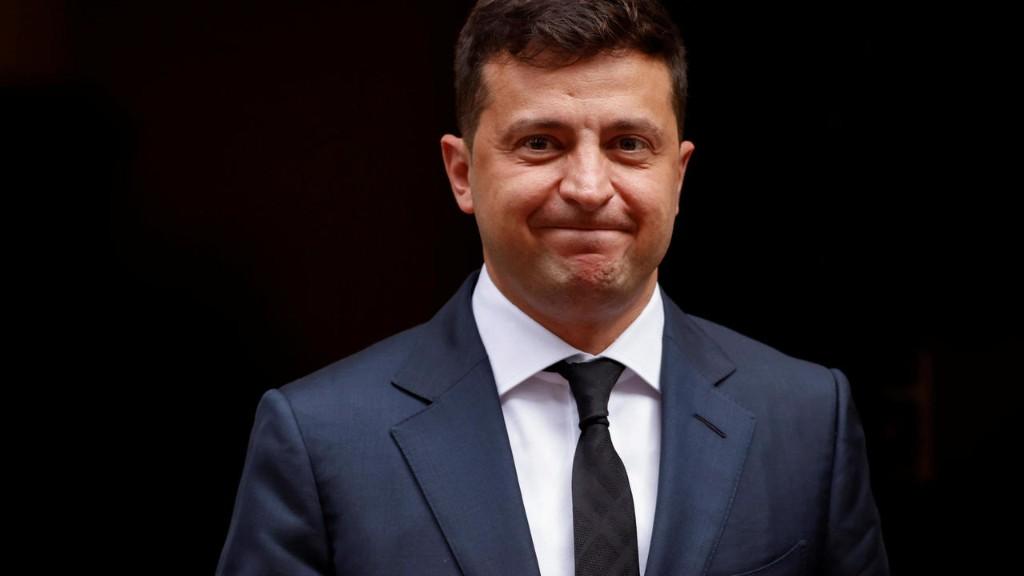 Зеленский узнает мнение украинцев о пожизненном сроке за коррупцию