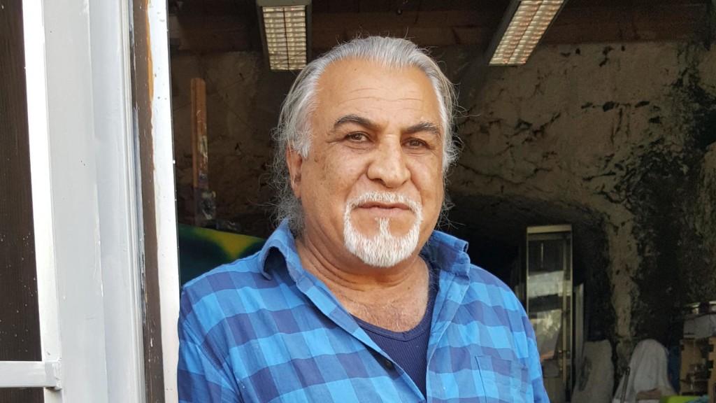 چهرهها و گفتگوها - رضا یحیائی: برهنگیِ پیکرهای تابلوهای من نشان پاکی انسانهاست