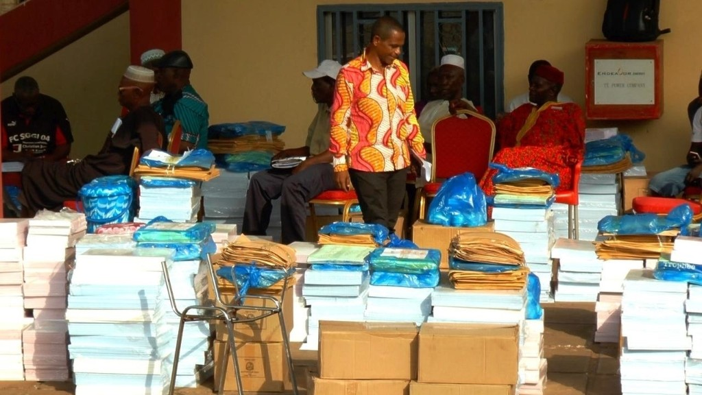 Présidentielle en Guinée: cinq millions d'électeurs appelés aux urnes d'un scrutin contesté