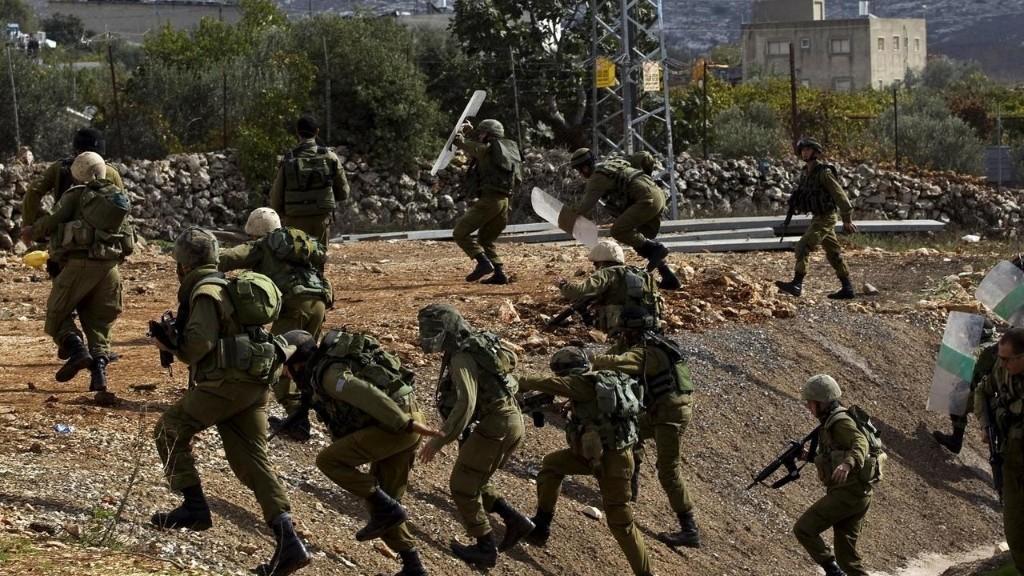 Cisjordanie: nouvelles attaques menées au couteau et en voiture