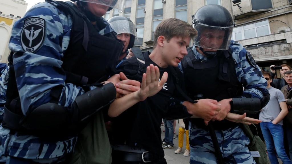 Russie: Alexeï Navalny et plus d'un millier de ses partisans arrêtés
