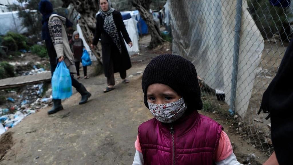 La Grèce prolonge le confinement dans les camps de migrants malgré les critiques des ONG