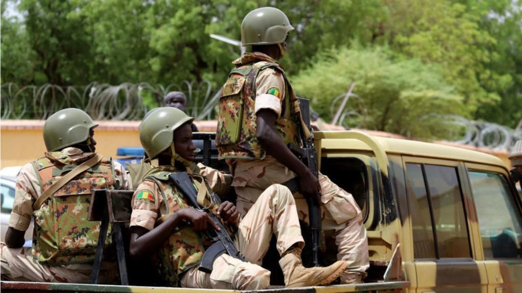 Mali: un camp militaire attaqué par des jihadistes dans la région de Gao