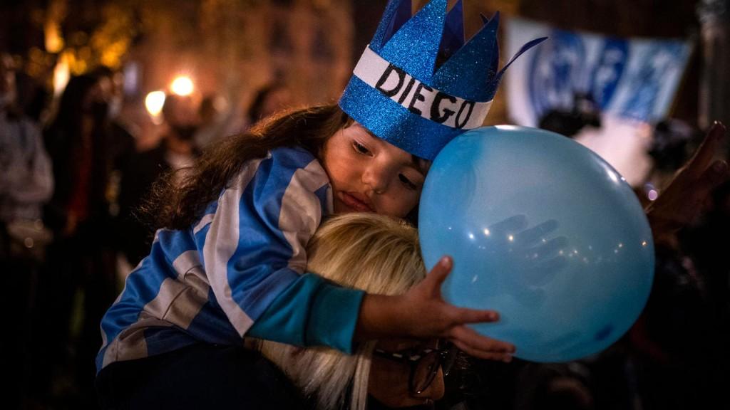 Мир простился с Диего Марадоной (фото)