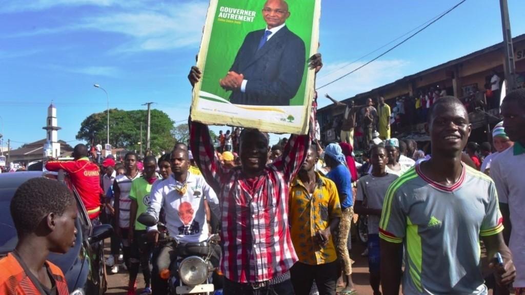 Présidentielle en Guinée: Cellou Dalein Diallo lance sa campagne en fanfare