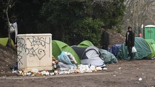 Francia: El difícil confinamiento de los migrantes de Calais