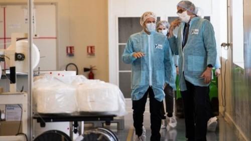 Coronavirus: la France accélère sa production de respirateurs et de masques
