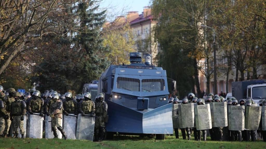 Biélorussie: la répression contre les manifestants se durcit