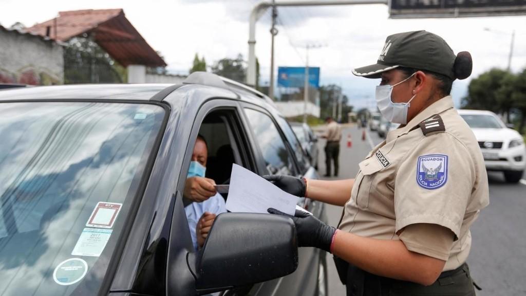 Coronavirus: l'armée déployée dans les rues de Quito pour faire respecter le couvre-feu