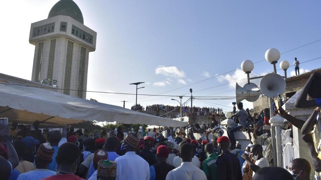 Sénégal: des fidèles du monde entier présents aux obsèques du khalife des Niassènes