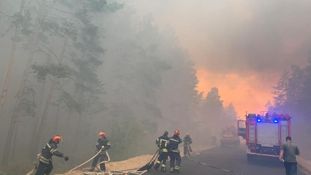 Ukraine: vague d'incendies meurtriers dans le Donbass près de la ligne de front