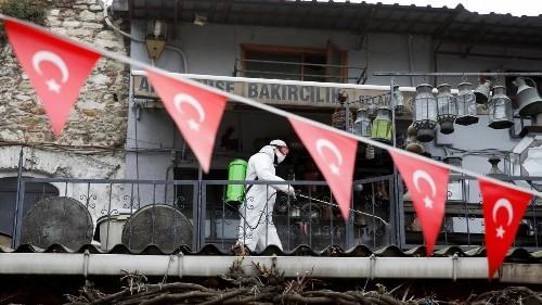 Coronavirus: les autorités turques rechignent à décréter un confinement