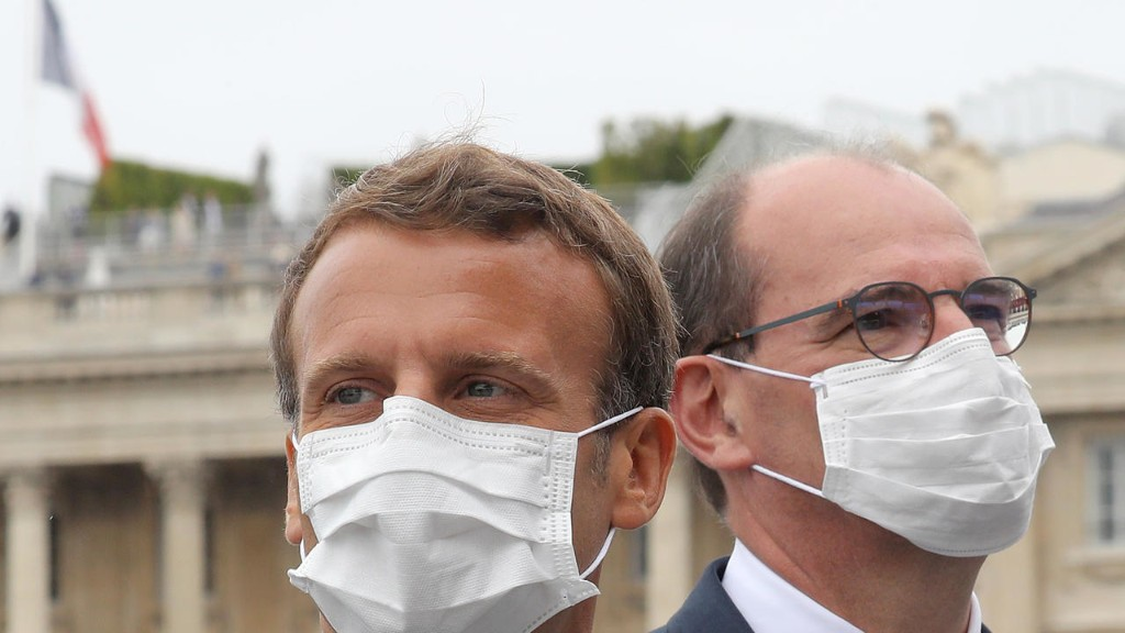 More French workers demand a share of Macron's Covid-19 bonus