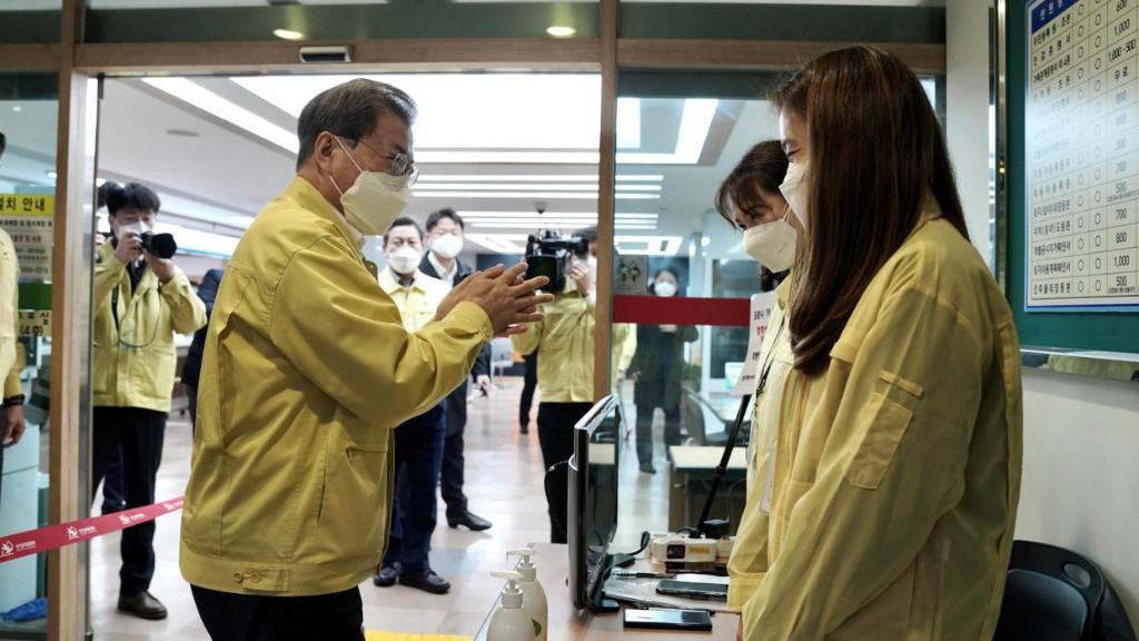 Géopolitique, le débat - Corée du Sud: des législatives sur fond de coronavirus