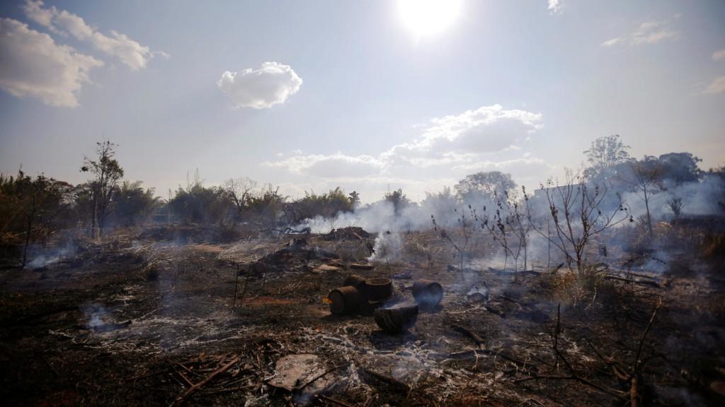 #PrayforAmazonas: les Brésiliens entre écœurement et colère face aux incendies