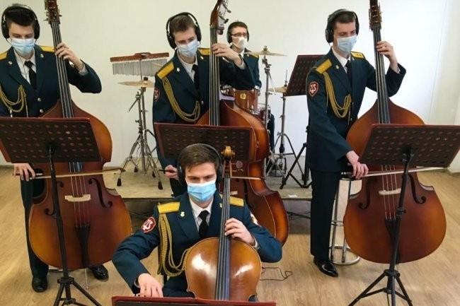 Оркестр Росгвардии поздравил итальянцев с Днем провозглашения Республики