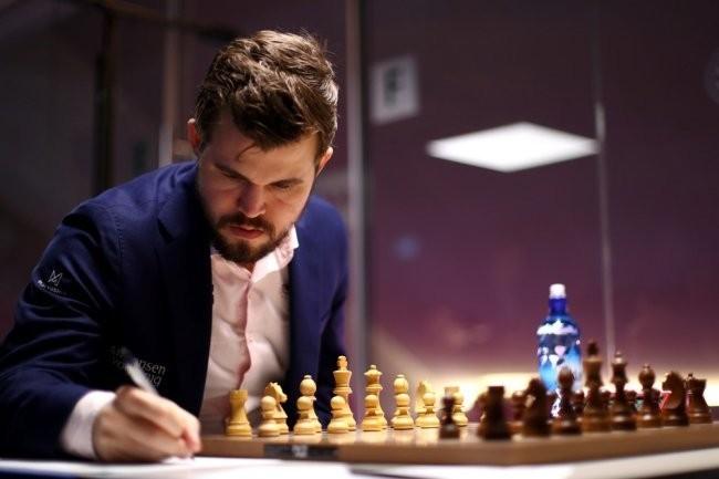 Карлсен организует шахматный онлайн-турнир с участием сильнейших игроков