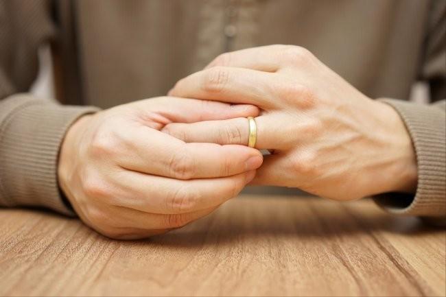 ВС РФ разъяснил, можно ли требовать назад деньги при гражданском браке