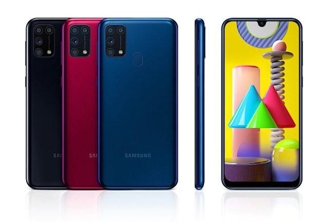 В Россию пришел недорогой смартфон Samsung с огромным аккумулятором. Цена