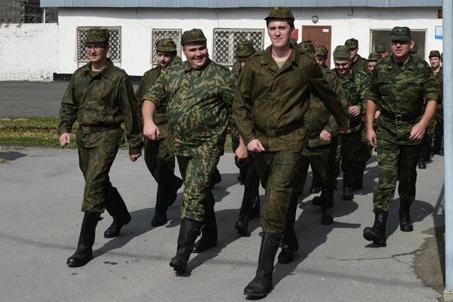 Резервистов призовут на военные сборы