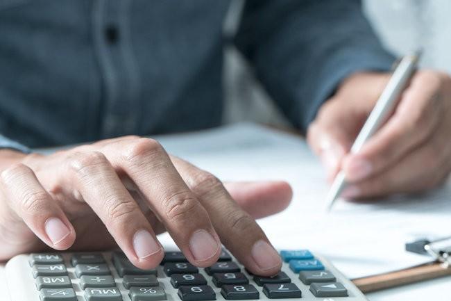 Президент Беларуси поддержал проект указа по зарплатам бюджетникам