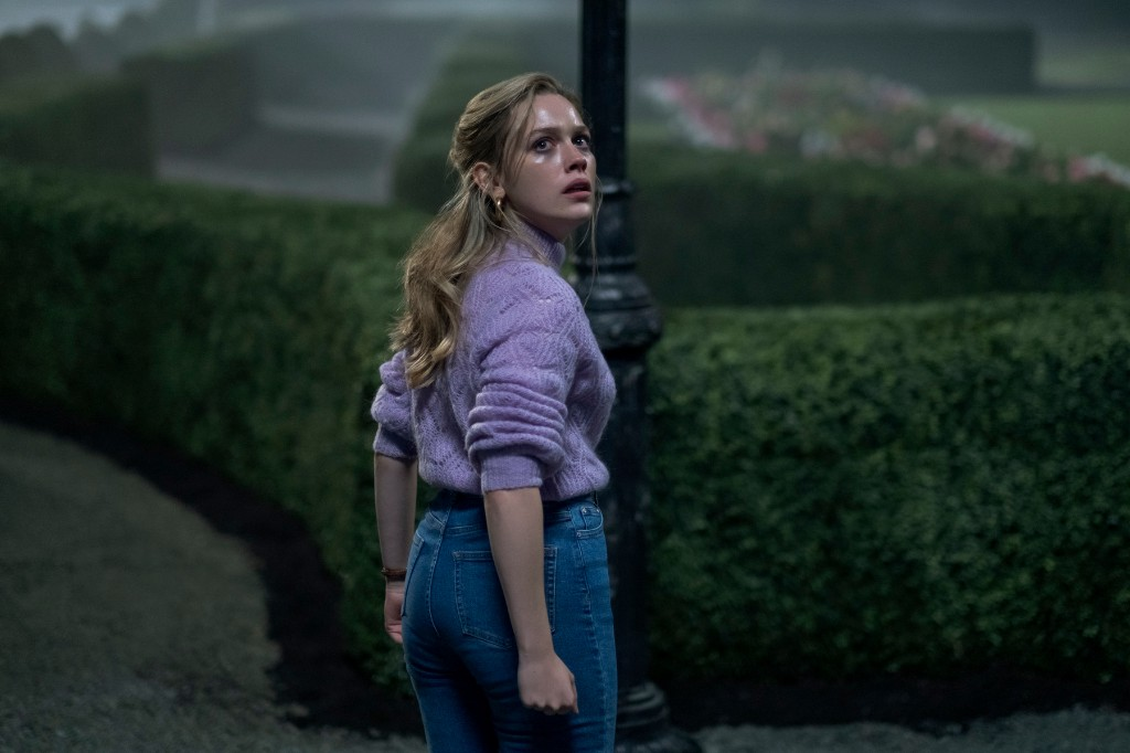 'The Haunting of Bly Manor': 'Hill House' Sequel Sees New Evil