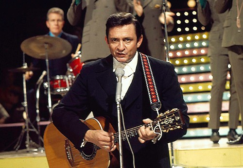 Flashback: Johnny Cash Sings 'The Unclouded Day' With His Mother