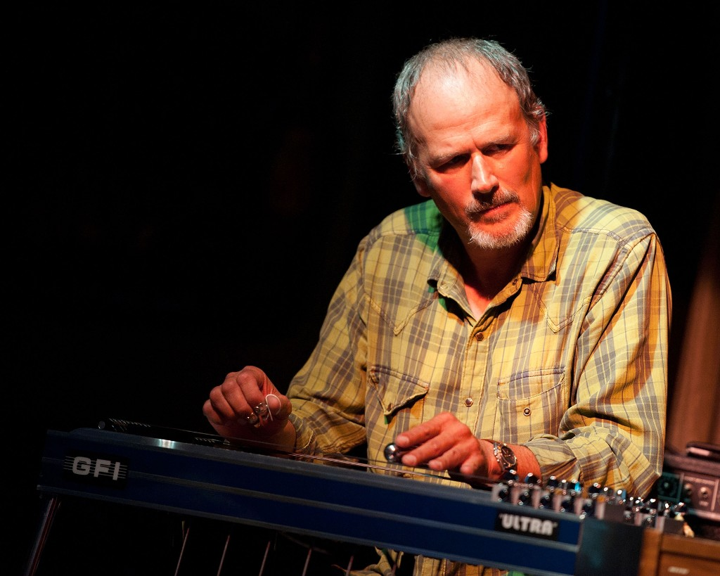 Bucky Baxter, Pedal-Steel Great Who Toured With Bob Dylan, Dead at 65