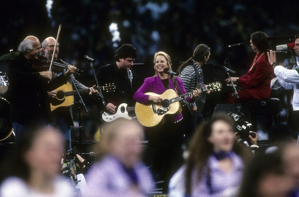 That Time Mary Chapin Carpenter Played the Super Bowl With Beausoleil