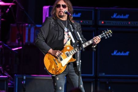 Ace Frehley Blasts Gene Simmons: 'The Gloves Are Off'