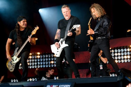 Metallica Talk Crazy Fan Meetings, Lou Reed, Lemmy-Inspired Song