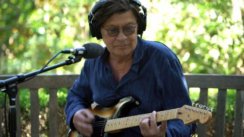 Watch Robbie Robertson Play 'The Weight' With Ringo Starr and Musicians Across Five Continents