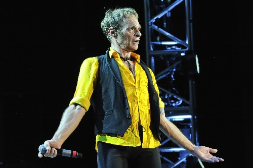 David Lee Roth Once Had a Fake Phone Number That Almost Ruined a Marriage