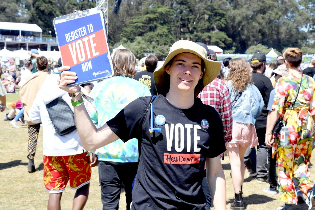 HeadCount Launches 'Festival Challenge' to Encourage Voter Registration