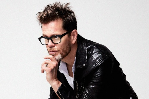 Review: 'Blackstar' Saxist Donny McCaslin Fully Embraces Art Pop on 'Blow.'