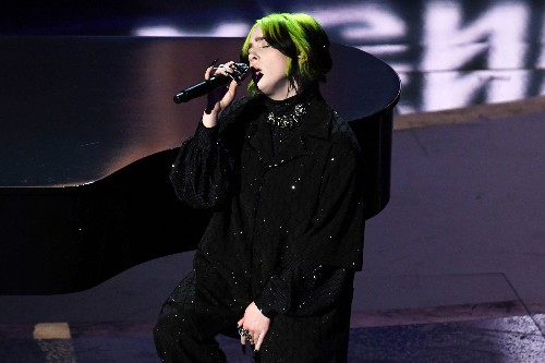 Oscars 2020: Billie Eilish Performs Sulky Cover of the Beatles' 'Yesterday'