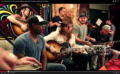 See Darius Rucker and Tourmates' Old-School Country Jam