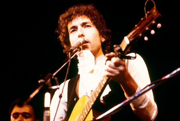 Bob Dylan Goes Back to Columbia Records