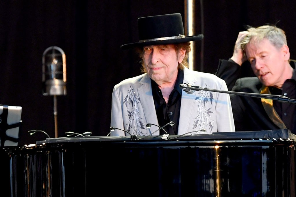 Hear Bob Dylan Welcome Fans to First 'Theme Time Radio Hour' Show in 11 Years