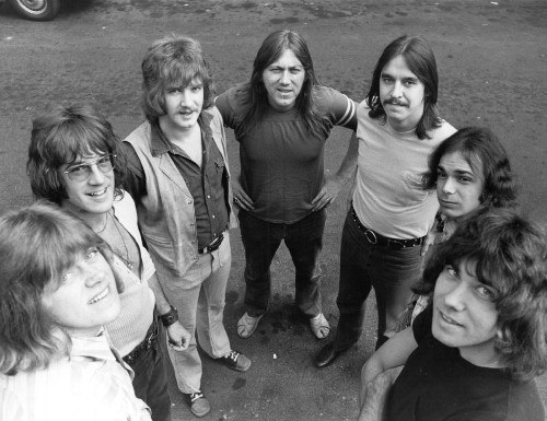 Flashback: Chicago Play a Smoldering '25 or 6 to 4′ in 1970