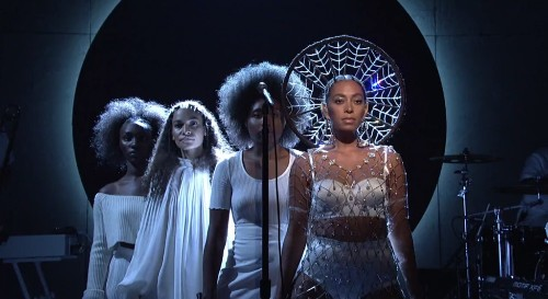 Watch Solange Perform Two Tracks During Stunning 'SNL' Debut