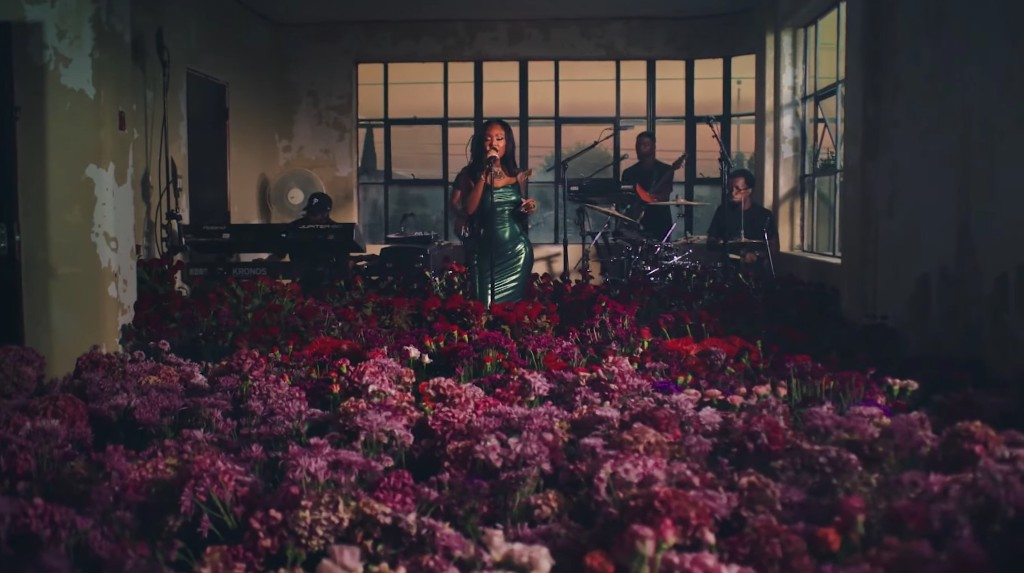 Summer Walker Fills a Warehouse With Flowers for 'Body' Performance on 'Fallon'