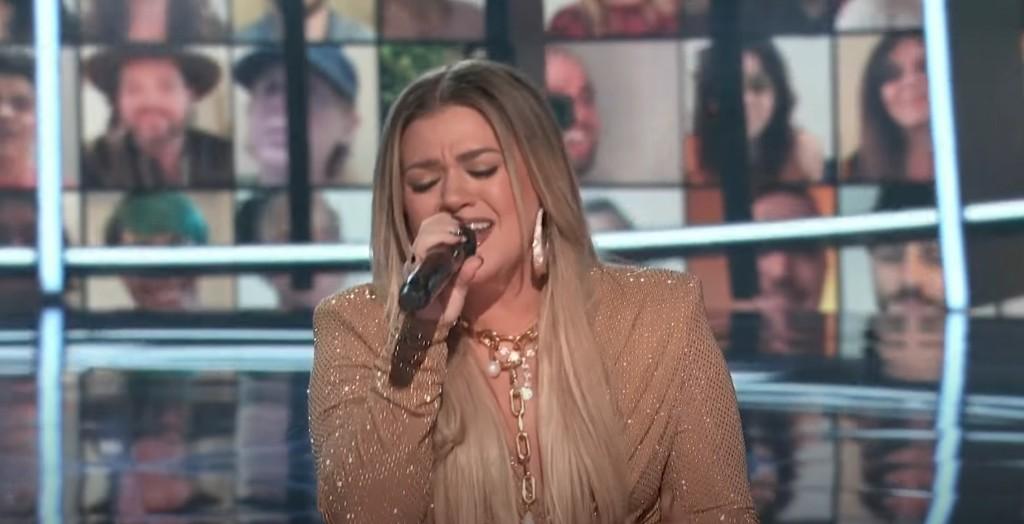 Watch Kelly Clarkson Perform 'Higher Love' With Pentatonix, Sheila E.