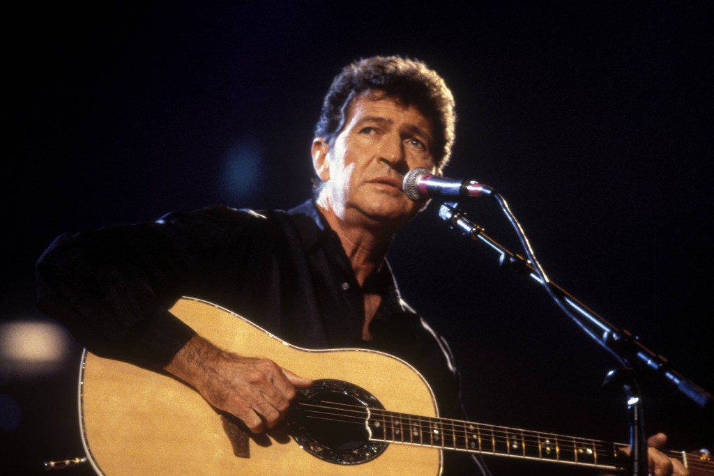 Mac Davis' 'In the Ghetto' Was a Famous Hit for Elvis, But 'Memories' Deserves Another Listen