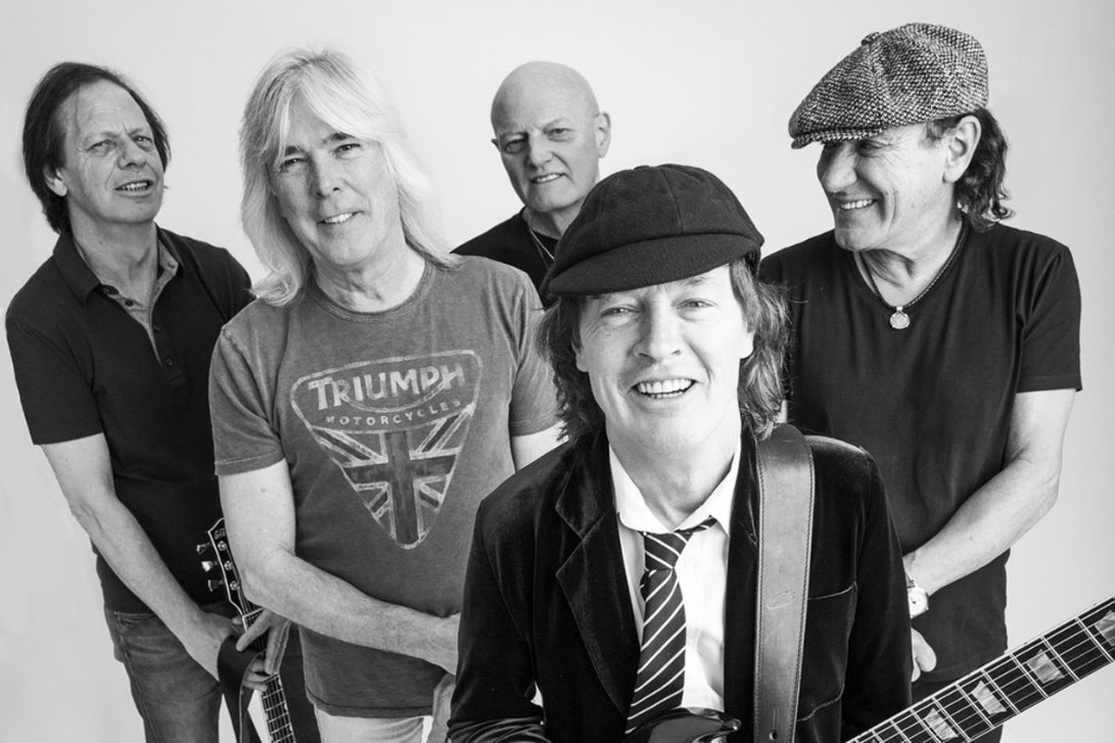 AC/DC Apparently Reveal New Lineup with Leaked Photos